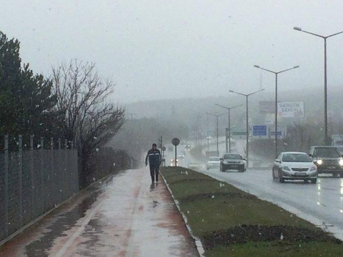 Başkent'te kar yağışı