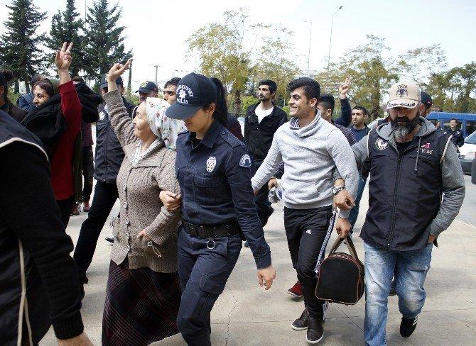 Sur Ve Cizre'de Hendek Kazan Zanlılar Antalya'da Yakalandı