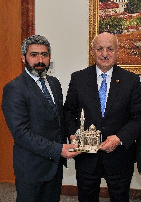Birlik Vakfı Kars Şube Başkanı Turhan'dan Meclis Başkanına Ziyaret