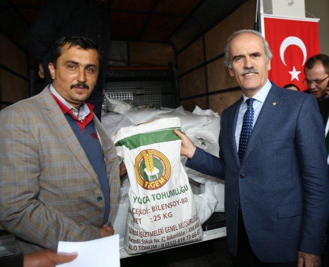 Bursa Büyükşehir'den Büyükorhanlı çiftçilere kepenek