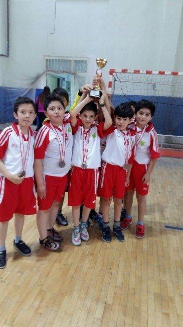 Çınar Koleji Hentbol Takımı 3. Oldu