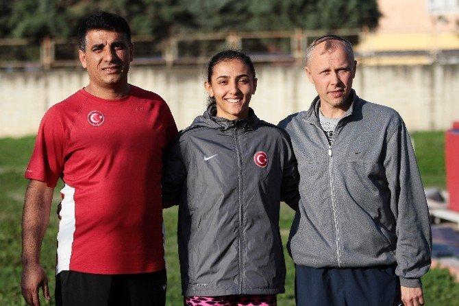 Ailesinden Habersiz Antrenmanlar Gitti, Türkiye Rekoru Kırdı