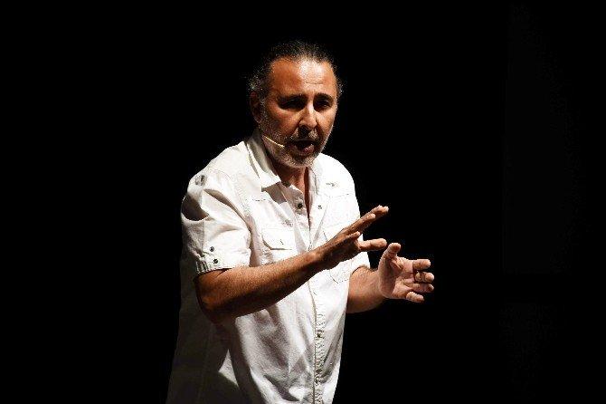 """Tiyatro Sanatçısı Kemal Başar: """"Memlekette Herkes Tiyatrocuyum Diye Dolaşıyor"""""""