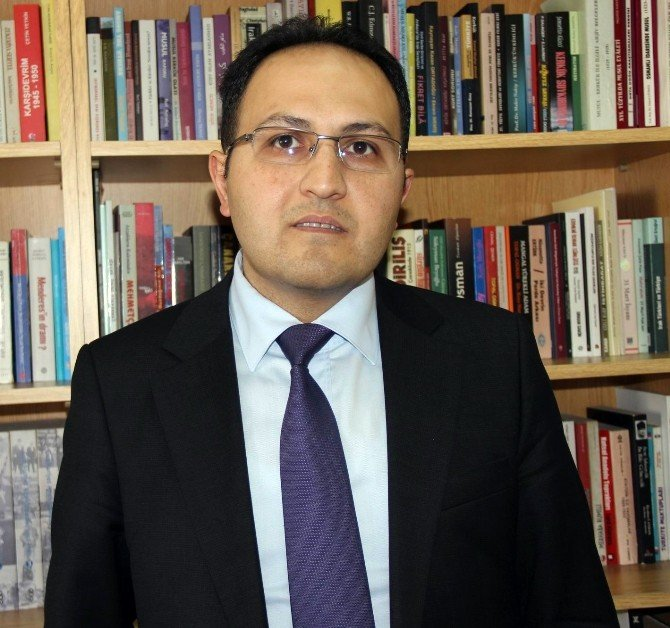 ERÜ Edebiyat Fakültesi Tarih Bölümü Öğretim Üyesi Doç. Dr. Serdar Sakin: