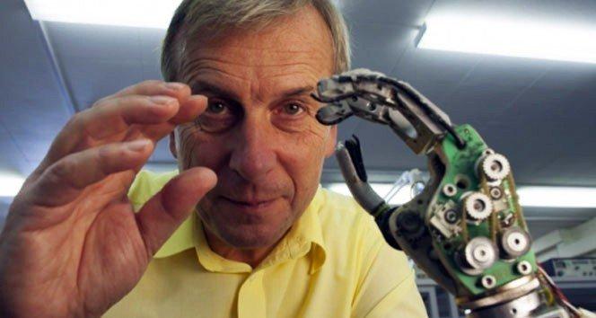 """Prof. Dr. Kevin Warwick: """"Makineler Vücudun Uzantısı Olarak Kullanılabilir"""""""