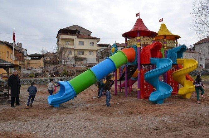 Tuzköy'de Çocuklar Parka Kavuşmanın Sevincini Yaşadı