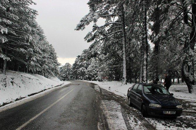 Ege'li Yağmur Beklerken Kar Yağdı