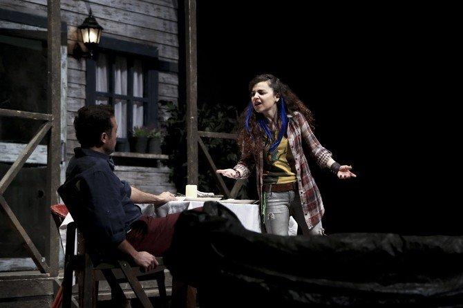 """Maltepe Tiyatro Festival'inde """"Göl Kıyısı"""" Oyunu Sahnelendi"""