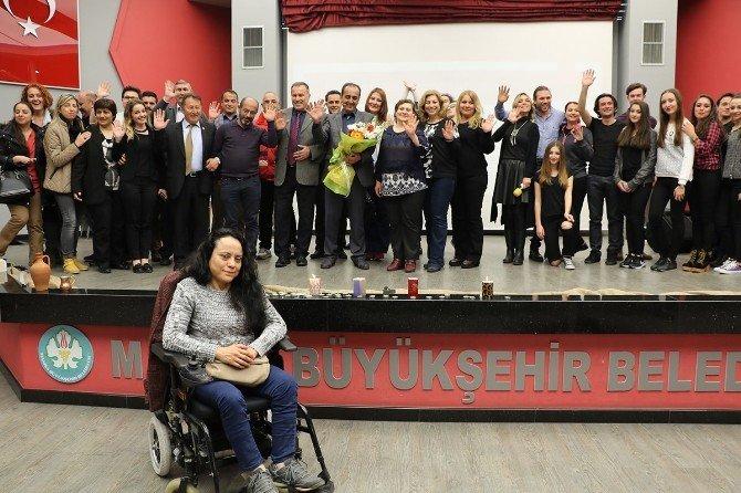 Pedagog Çamlıoğlu'ndan 'Biz Olmak İçin Yüzleşelim' Semineri