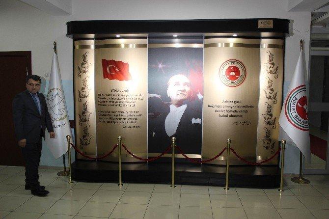 Salihli Adliyesinde Yenilenen Atatürk Köşesi Açıldı