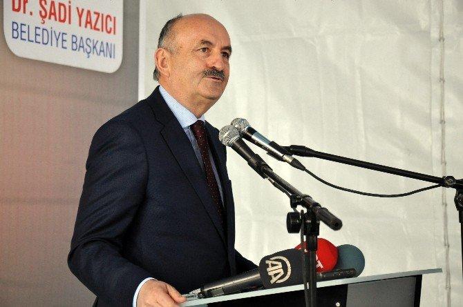 Bakan Müezzinoğlu'ndan Şehir Hastanesi Müjdesi