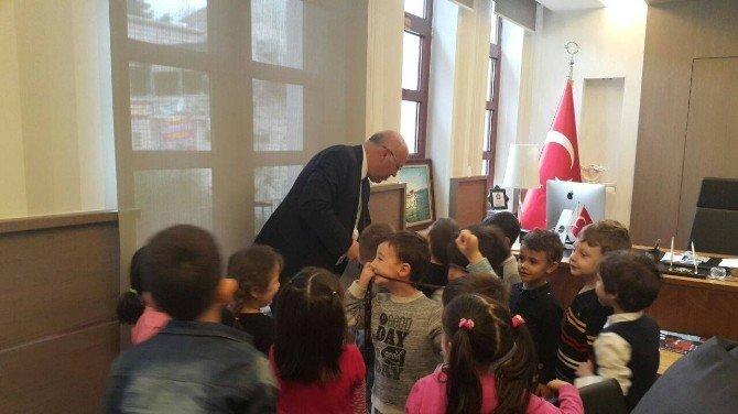 Süleymanpaşa Belediyesi Çocuk Kulübü'nün Yeni Üyeleri Başkan Eşkinat'ı Ziyaret Etti