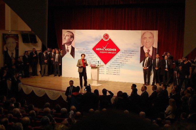 Meral Akşener, Tokat'ta Partililere Seslendi