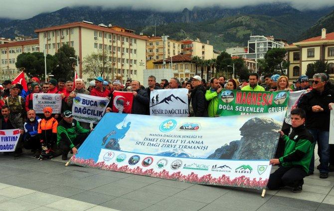 Spil'e tırmanışa Türkiye'nin dört bir yanından 500 sporcu katıldı