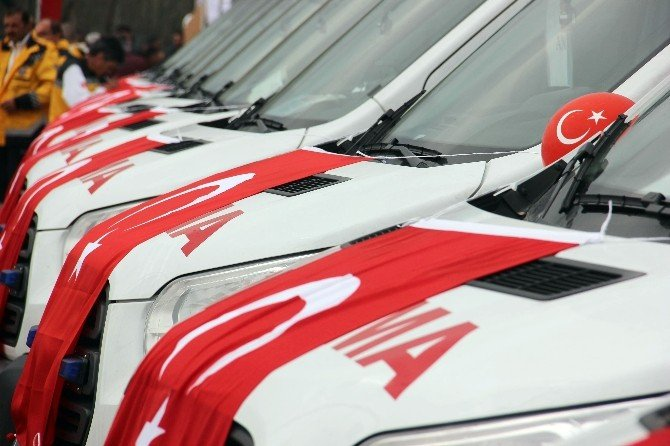 102 Ambulansın Dağıtım Töreni Edirne'de Gerçekleşti