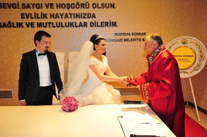 Başkan Çağlayan Beyza-oğuzhan Çiftinin Nikahını Kıydı