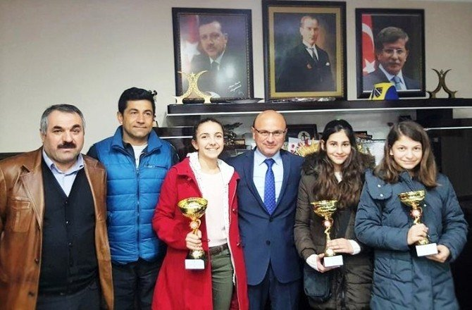Sultanlardan Başkan Oral'a Ziyaret