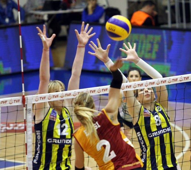 Fenerbahçe Grundig: 3 - Galatasaray Daikin: 0