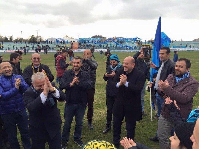 Başkan Ali Çetinbaş'ın Şampiyonluk Sevinci