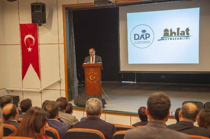 Ahlat'ta, DAP Tanıtım Toplantısı Düzenlendi