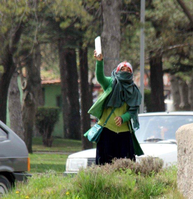 Bunlar Da Sahte Suriyeli Dilenciler