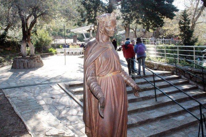 Meryem Ana'da Paskalya Ayini