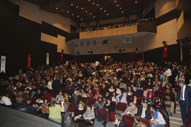 Tiyatro Festivalinde 'Marko Paşa' Rüzgarı Esti