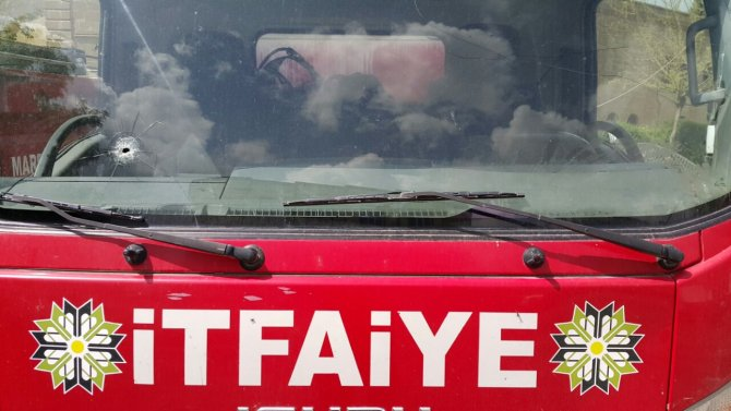 Nusaybin'de itfaiye araçları çatışma bölgesinde mahsur kaldı