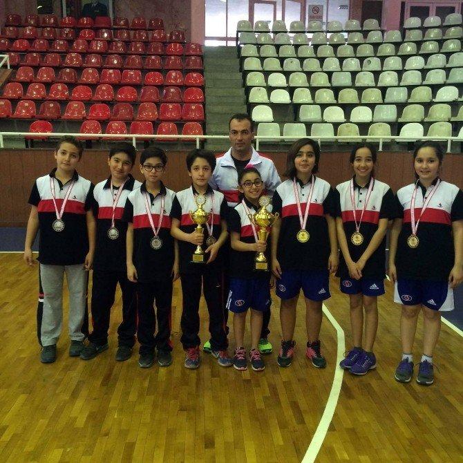 Özel Sanko Okulları Küçük Kızlar Masa Tenisi Takımı İl Birincisi, Küçük Erkekler Masa Tenisi Takımı İl İkincisi Oldu