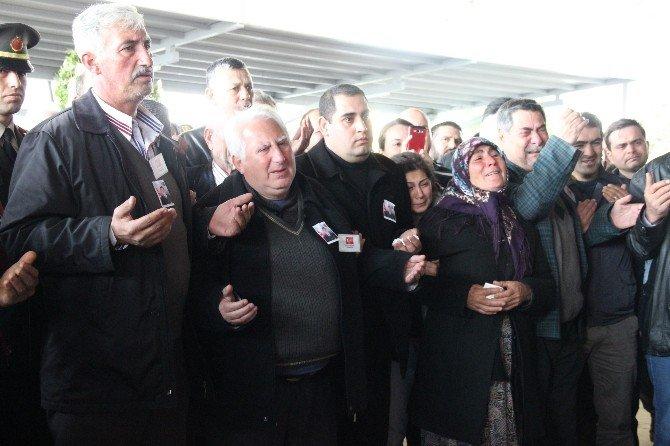 Şehidi İzmir'de Binler Uğurladı