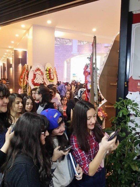 Tokat'ta Genç Yazara Büyük İlgi