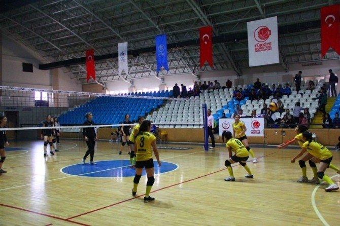 Gençler Voleybol Yarı Finalleri Başladı