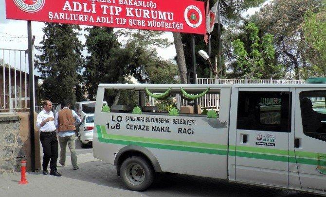 Teröristlerin Öldürdüğü Muhtarın Cenazesi Adli Tıp'a Getirildi