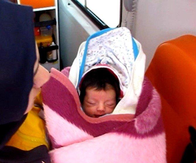 En Küçük Sığınmacı Üç Günlük Eyisa Bebek