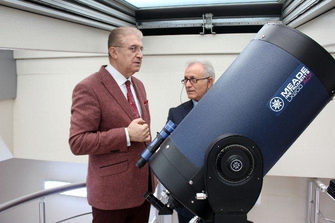 Üniversite Gözlemevleri Sempoyumu İAÜ'de Gerçekleşti