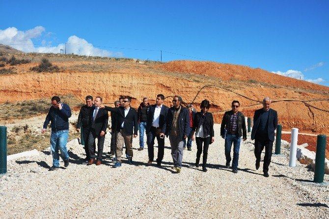 Turkay Özgür, Elmalı'da Gölet Çalışmalarını İnceledi