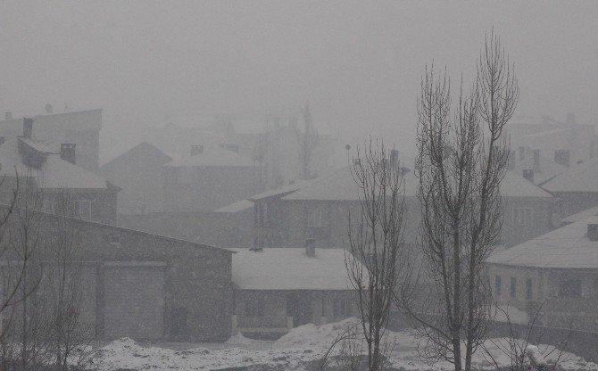 Yüksekova'da Kar Yağışı Altında Şiddetli Çatışmalar Yaşanıyor