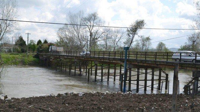 Karasu Adatepe'ye Yeni Köprü