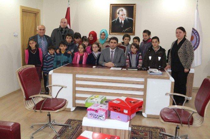 """""""Küçük Bedenler Üşümesin"""" Kampanyası Köy Okullarına Umut Oluyor"""