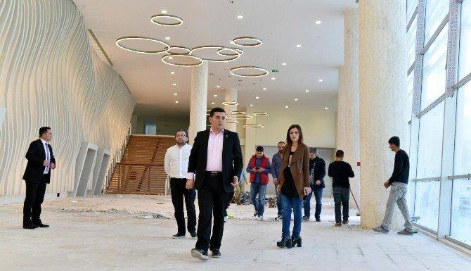 Tütüncü, Mimar Sinan Kongre Ve Sergi Merkezi'ni İnceledi