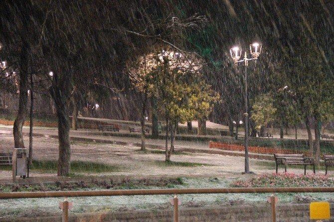 Konya'ya Mart Ayının Sonunda Kar Yağdı