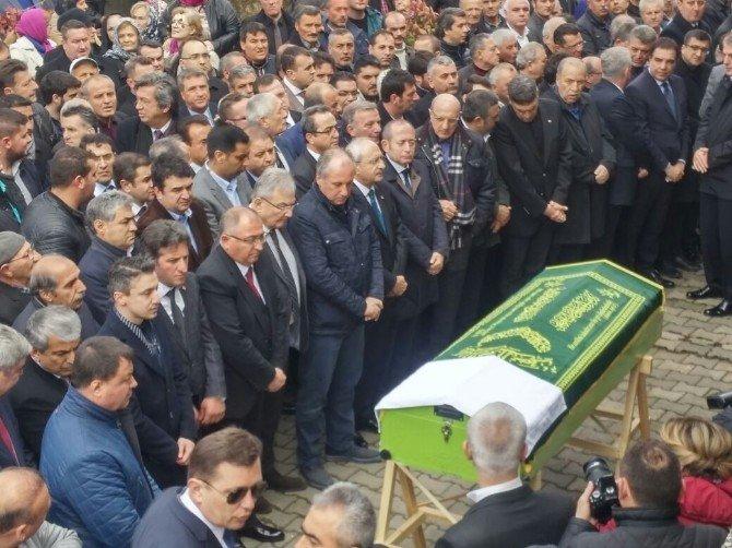 Kılıçdaroğlu Ve Baykal Cenazede Buluştu