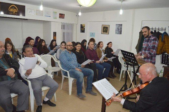 Müzik Öğretmenleri Amatör Koro Kurdu