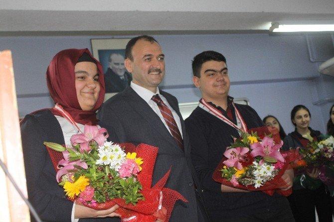 TÜBİTAK Bölge Yarışmasında 3 Birincilik Alan Okul Milli Eğitim Müdürlüğü'nce Ödüllendirildi