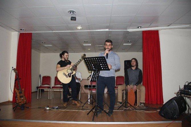 Burhaniye'de Müzik Şöleni