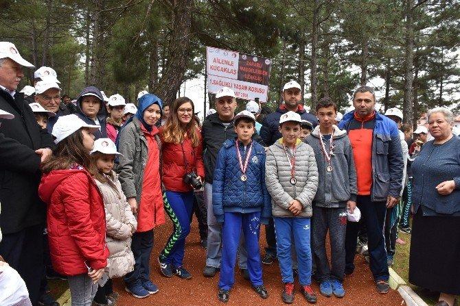 Dursunbey'de Sağlıklı Yaşam Koşusu