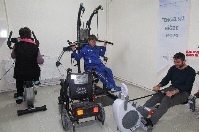 Engelli Kursiyerler Gümüş İşliyor