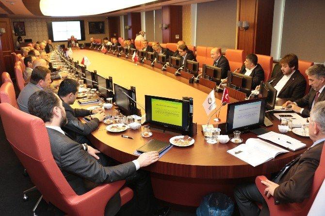 Komite Üyeleri Fikir Alışverişinde Bulundu