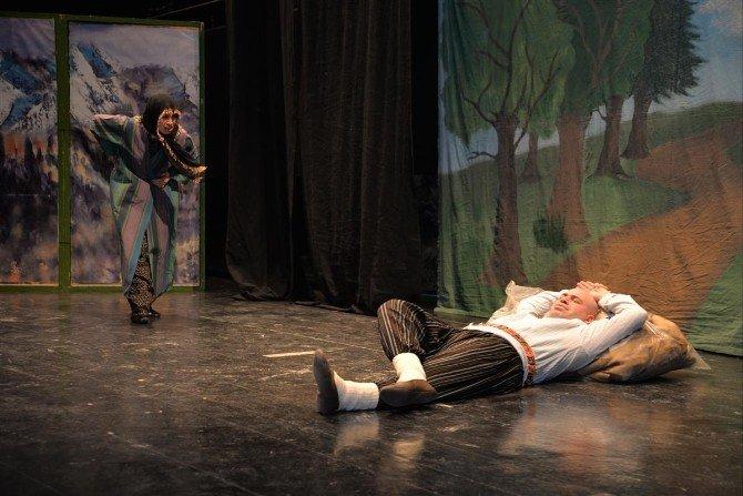 Bilecik'te Çocuklar Tiyatro Oyunları İle Keyifli Anlar Yaşadı