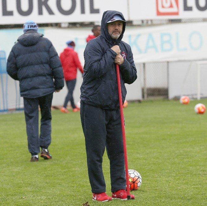 Trabzonspor Gaziantepspor Maçı Hazırlıklarını Yağmur Altında Sürdürdü